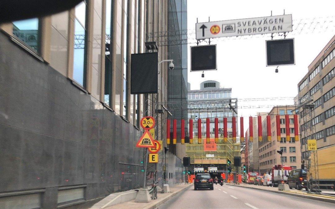 Tiden har stått stilla efter bussolyckan i Klarabergstunneln
